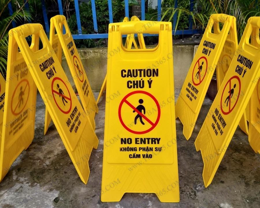 Bảng cảnh báo chữ A khu vực cấm vào