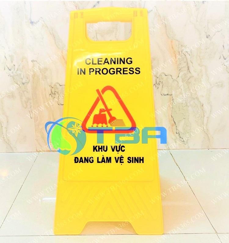 Bảng báo chữ A khu vực đang làm vệ sinh Á Châu