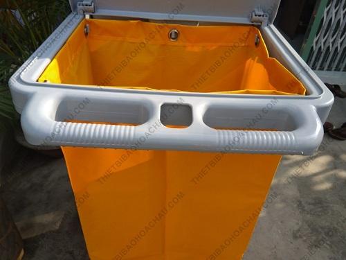 Xe đẩy dọn vệ sinh đa năng ba tầng chữ L